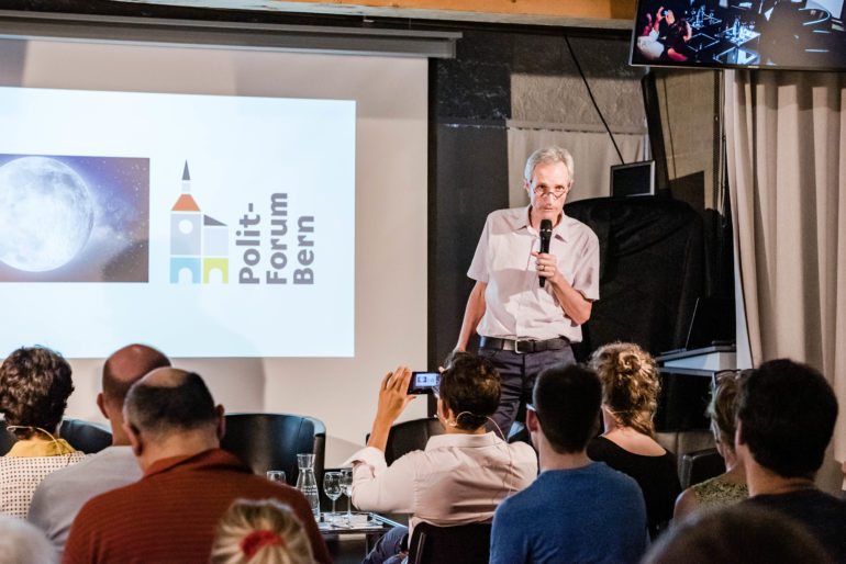"Discussion ""À qui appartient l'univers?""; Forum Politique Berne, 27.06.2019; Foto: Susanne Goldschmid / Forum Politique Berne"