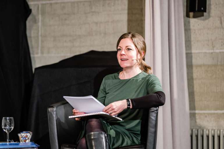 Podium zur Ausstellung «Ausnahme-Zustand» - Globale Krise; Moderation: Stefanie Schüpbach, stv. Leiterin Polit-Forum;  Polit-Forum Bern, 17.03.2021; Bild: Susanne Goldschmid