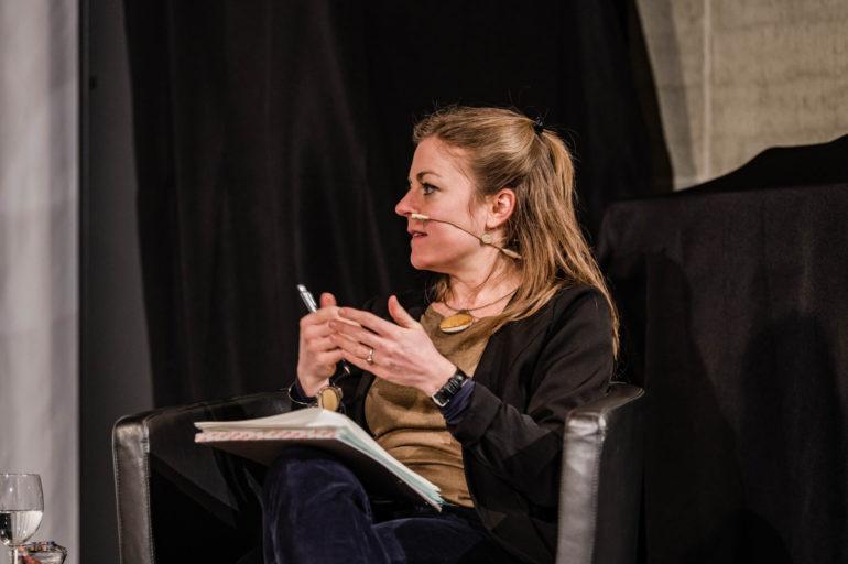 """Podium zur Ausstellung """"Ausnahme-Zustand"""" - Wirtschaften in der zweiten Welle; Moderation: Stefanie Schüpbach, stv. Leiterin Polit-Forum; 18.02.2020; Polit-Forum Bern; Bild: Susanne Goldschmid"""