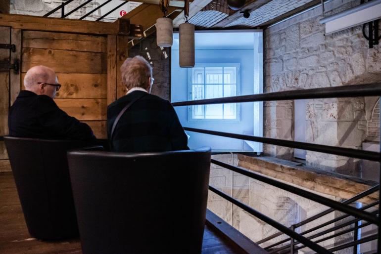 Vernissage Bildbände «Gefängnisse der Schweiz – Prisons en Suisse» mit Peter Schulthess (Fotograf); Aimée Zermatten (Mitautorin); Moderation: Thomas Göttin, Leiter Polit-Forum Bern; 30.11.2019; Bild: Susanne Goldschmid