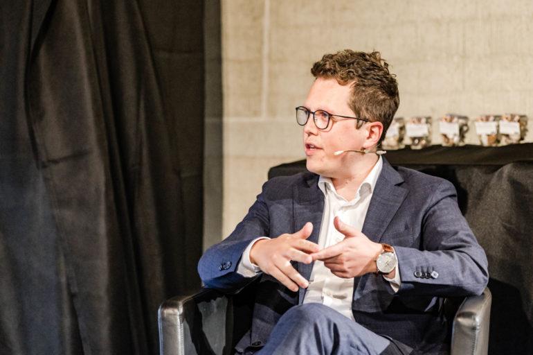"""Podium """"Wer beinflusst die Digitale Demorkatie?""""; Marcel Schuler, Kampagnenleiter FDP Schweiz; 08.06.2021; Bild: Susanne Goldschmid"""