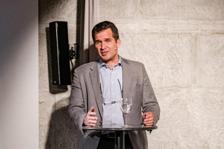 Debatte Abstimmungen Anti-Terrorgesetz; vlnr. Nils Melzer, UNO-Sonderberichterstatter über Folter; Polit-Forum Bern; 04.05.2021; Bild: Susanne Goldschmid